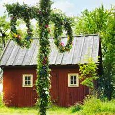 To spend Midsommar in Sweden