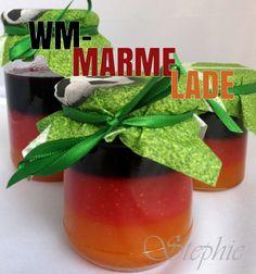 WM-Marmelade selbst gemacht: Deutschland-Flagge auf dem Frühstückstisch  http://einfachstephie.de/2014/06/11/wm-marmelade-selbst-gemacht-deutschland-flagge-auf-dem-fruehstueckstisch/