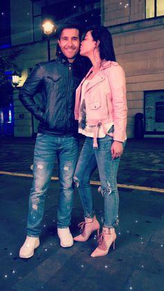 Humaima and Feroz Khan Yang Yang Actor, Feroz Khan, Aiman Khan, Pakistan Fashion, Famous Couples, Pakistani Actress, Bridal Photography, Airport Style, Beautiful Couple