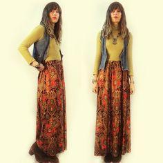 #vintage #psychedelic paisley print #maxiskirt, size small/medium. Now available in store and online. Link in bio to shop. ✌️  #heytiger #shopheytiger #vintageclothing #vintageshop #vintagelove #vintagestyle #vintagefashion #boho #hippie #gypsy #ooak #onlineshop  #style #fashion #wtw #springfashion #etsy #etsyshop #etsyseller #etsyvintage #woodstock #festivalfashion #outfitoftheday #sustainablefashion #preloved #ootd #vintageforsale