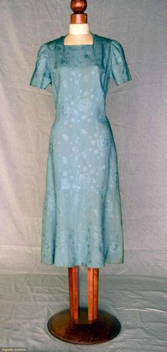 Dress Elsa Schiaparelli, 1930s Augusta Auctions