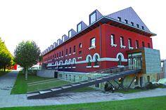 Antiguo hospital psiquiátrico desde el nuevo HUCA (Hospital Universitario Central de Asturias). Oviedo. Concejo de Oviedo. Principado de Asturias. Spain. [By Valentin Enrique].