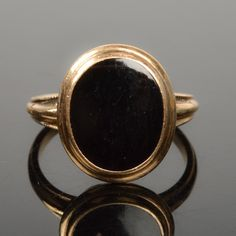 14K Yellow Gold and Onyx Ring