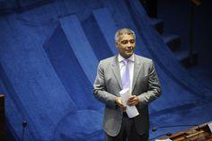 Romário é suspeito de receber caixa dois de empreiteira do petrolão, diz PGR