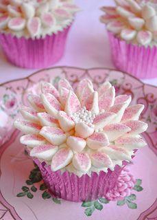 Pink Marshmallow Flower Cupcakes