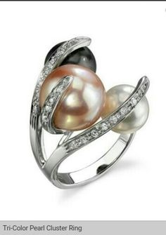 Tri-color pearl cluster ring