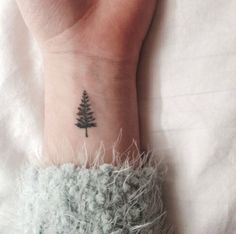 Get in the holiday spirit with this minimalist evergreen tree tattoo., Get within the vacation spirit with this minimalist evergreen tree tattoo. Get within the vacation spirit with this minimalist evergreen tree tattoo. Cute Tiny Tattoos, Pretty Tattoos, Beautiful Tattoos, Classy Tattoos, Cute Tats, Nature Tattoos, Body Art Tattoos, Small Nature Tattoo, Tatoos