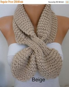 ON SALE  Beige Bow Knit Keyhole scarf 50s style retro by fatwoman