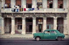 Havana Street Scene - fotokunst von Oliver Fluck