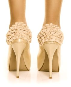 Ruffles & shoes. 2 of my fav things together. Perfect marriage