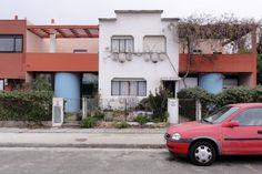 'personalisation' of row house - Cité Frugès, Pessac, France - Le Corbusier - photo 2010 / original 1926