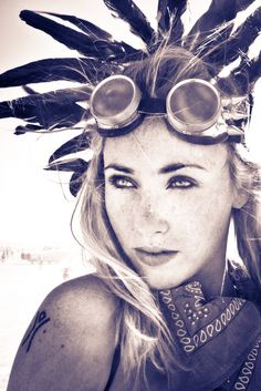 could do a little back feather head piece. #burningman