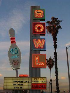 Los Angeles City Safari w/ Jonathan Lo Collage Mural, Bedroom Wall Collage, Photo Wall Collage, Photo Collages, Retro Wallpaper, Aesthetic Iphone Wallpaper, Aesthetic Wallpapers, Aesthetic Collage, Retro Aesthetic