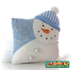 Snegovichki different ideas. Discussion on LiveInternet - Russian Service Online diary Christmas Sewing, Christmas Crafts, Christmas Decorations, Christmas Ornaments, Christmas Cushions, Christmas Pillow, Kids Pillows, Throw Pillows, Frosty The Snowmen