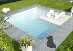 Got a small backyard? Make a small pool that fits the size and dimensions of your backyard and cool. Small Swimming Pools, Small Pools, Swimming Pools Backyard, Swimming Pool Designs, Lap Pools, Indoor Pools, Pool Decks, Backyard Patio Designs, Small Backyard Landscaping