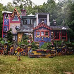 """Luna Parc"", home of artist Ricky Boscarino.  I want to like LIVE here, sight unseen!  This is wildly creative!"