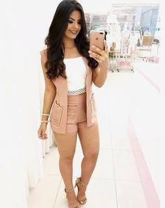 Karla Camila Cabello Estrabao, mais conhecida como Camila Cabello, é … # Fanfic # amreading # books # wattpad Short Outfits, Chic Outfits, Summer Outfits, Fashion Outfits, Mode Rockabilly, Beige Suits, Style Feminin, Vestidos Sexy, Girl Fashion
