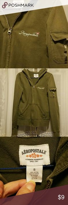 "Aeropostale olive green zip hoodie women's small Nice hoodie. No damage or flaws. Has a ""worn"" vintage look to it.  Size small. Aeropostale Tops Sweatshirts & Hoodies"