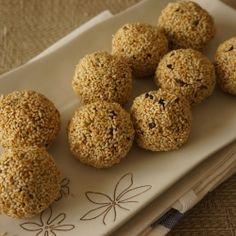 Peanut Butter and Granola Balls by MariaZaidi