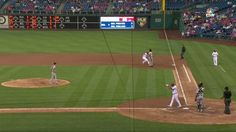 El Primera Base Josh Bell Se Distrae Por El Vuelo De Murciélago, No Se Da Cuenta De Pelota Es Lanzada Directamente A La Primera Base