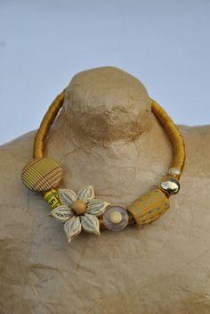 collana raso oro senape bottoni vintage fiore di comivishop