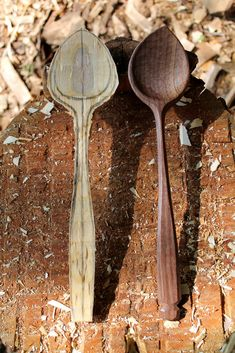 Roughing Spoons from Straight Blanks Wooden Spoon Carving, Carved Spoons, Wood Carving Art, Wood Spoon, Wooden Kitchen, Kitchen Art, Kitchen Tools, Kitchen Gadgets, Cutlery Art