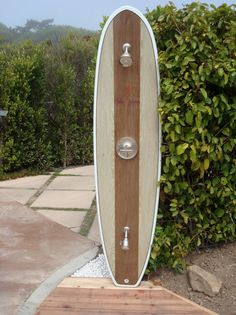 Ideas about Home Design for What about a surfboard shower at the backyard of your beach house? Reclaim a favorite old surfboard, transforming it into a unique outdoor shower. Deco Surf, Outside Showers, Outdoor Showers, Outdoor Bathrooms, Beach House Decor, Home Decor, Outdoor Living, Outdoor Decor, Beach Cottages