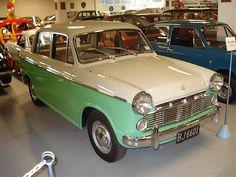 Datsun Bluebird I'm in love! Classic Japanese Cars, Vintage Japanese, Classic Cars, Datsun Roadster, Datsun Car, Auto Toyota, Toyota Cars, Singer Cars, Datsun Bluebird