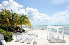 Grand Cayman ceremony setting.@Erin Mercedes Baca LOok this is where you can renew the vows! Or get remarried to Brain Kest!