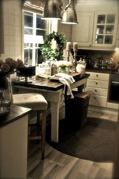Villa, Kitchen Accessories, Decoration, My Dream Home, Home Furnishings, Beautiful Homes, Kitchen Island, Cabinet, Dining