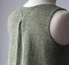 Note how the armhole gets its finished look with the help of a slipped-stitch edging. No finishing is required after knitting is done.