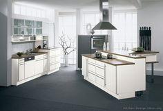 Moderní Bílé kuchyňské linky   (Alno.com, Kitchen-Design-Ideas.org)
