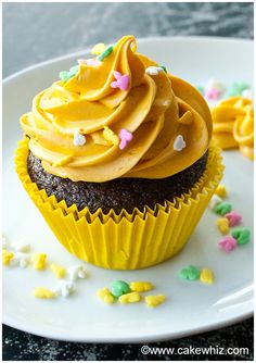 These are the BEST CHOCOLATE CUPCAKES ever! Easy to make, soft and moist and very choco-licious! From cakewhiz.com