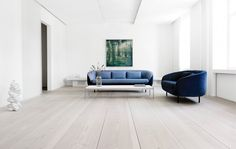 Dinesen Home is an exclusive flat designed by Anouska Hempel in Copenhagen where the Dinesen universe and the passion for wood are reflected in every detail.