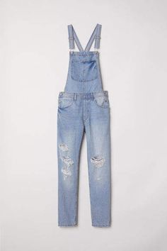 H&M Denim Bib Overalls - Light denim blue - Women Sold Out at H&M Blue Jean Overalls, Denim Dungarees, Denim Overalls, Blue Denim, Washed Denim, Blue Jeans, Stylish Dresses, Stylish Outfits, Fashion Outfits