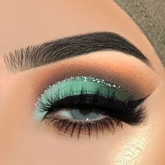 Make up Créditos a quien corresponda What's Makeup ? What is Makeup ? Generally, what's makeup ? Makeup Eye Looks, Beautiful Eye Makeup, Eye Makeup Art, Colorful Eye Makeup, Makeup For Green Eyes, Cute Makeup, Makeup Inspo, Eyeshadow Makeup, Makeup Ideas