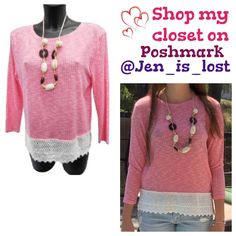 🚨🚚 Moving Sale 🚚🚨 Knit Top with Necklace Pink and Off white knit top. Necklace is a complimentary gift with this as pictured 💗!  Material is 60% viscose, 35% polyester and 5% elastane.  🚫 No trades 🚫  Happy Poshing 💕💕💕 Tops