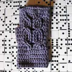 Ravelry: Owl Mitts pattern by Erika Ward....cute but I'll do mine a little longer as my arms get cold really easy.