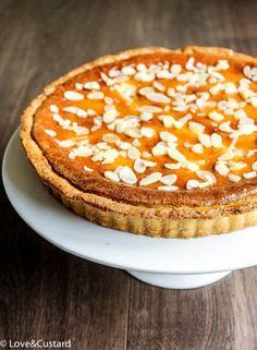 love&custard: Pear and Almond Tart Best Dessert Recipes, Pie Recipes, Fun Desserts, Yummy Treats, Sweet Treats, Yummy Food, Pear And Almond Tart, Pie Fillings, Mincemeat