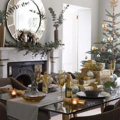 Christmas table decor Ideas | Find Furniture for Home Interior Decorating !