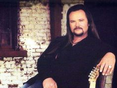 Travis Tritt Tickets — The Last of the Street Survivors Farewell Tour and Tour Dates Country Music Artists, Country Music Stars, Country Singers, American Country, Country Boys, Travis Tritt, Concert Tickets, Sexy Men, Musicians