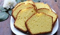 Рецепта за Лимонов кекс с ванилова глазура