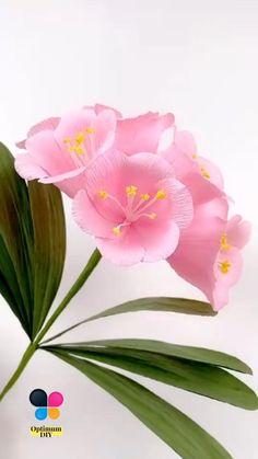 Paper Crafts Origami, Easy Paper Crafts, Diy Crafts, Handmade Flowers, Diy Flowers, Nylon Flowers, Tissue Paper Flowers, Paper Roses, Flower Crafts