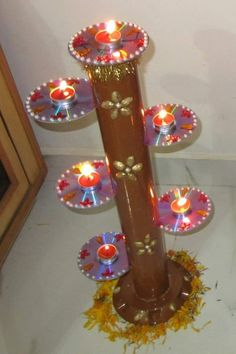 Diwali and festival is meant to be cerebrated with lots of light,here are great lighting projects which you can create by Recycle Old CD's For Diwali Lights Old Cd Crafts, Diy Home Crafts, Creative Crafts, Crafts For Kids, Paper Crafts, Diwali Diy, Diwali Craft, Diwali Decorations At Home, Festival Decorations