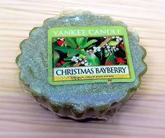 Wenas noches a tod@s! Probé esta yankee candle que compre en velas de olor es la christmas bayberry pone que es de extracto de plantas. Huele mucho pero el olor no me convence es verdad me huele a plantas pero tampoco me desagrado es decir que por el olor no es mi preferida pero que huele mucho eso. Ya tengo otro pedido a punto de llegar de mas velas de la web de velas de olor…