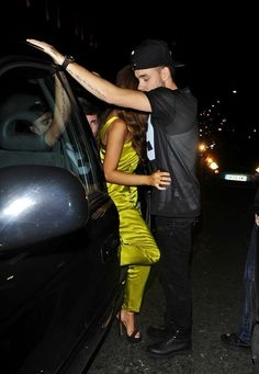 Liam Payne Photos Photos: Liam Payne Enjoys a Night Out with His Girlfriend Liam Payne Photos - Liam Payne gets close with his girlfriend Sophie Smith during a night out on August - Liam Payne Enjoys a Night Out with His Girlfriend Liam 1d, Liam Payne, One Direction Girlfriends, Drunk Last Night, Sophia Smith, Liam James, Best Model, Daughter Love, To My Future Husband