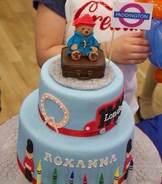 Paddington bear birthday cake 1st Birthday Themes, 3rd Birthday Cakes, Harry Birthday, Bear Birthday, London Theme Parties, Paddington Bear Party, Lime Cake, London Cake, Bear Cakes