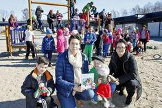 Ekerydsskolan har fått en egen Kennethbok, skänkt av Lions Club Olofström. Foto: Oskar Sandström