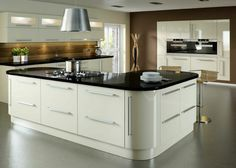 Make your kitchen stand out with some high gloss kitchen doors! Gloss kitchen doors create a highly appealing kitchen look, whilst their lustrous shine ensures an inviting kitchen feel. Check out our range at Topdoors UK High Gloss Kitchen Doors, Kitchen Cabinets And Countertops, Kitchen Worktops, Kitchen Units, Buy Kitchen, Kitchen Ideas, Kitchen Ranges, Contemporary Kitchen Design, Interior Design Kitchen