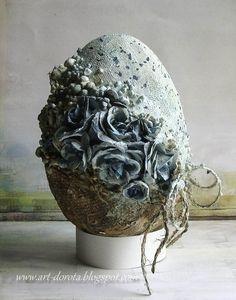 Viac pinov na vašu nástenku Easter - Easter Egg Crafts, Easter Projects, Easter Bunny, Easter Eggs, Diy Ostern, Free To Use Images, Faberge Eggs, Egg Art, Arte Floral